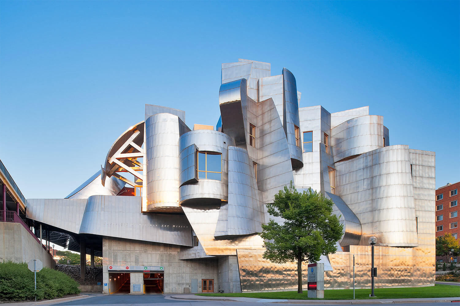 7 Mind Blowing Campus Buildings Designed By Architect Frank Gehry | College  Raptor