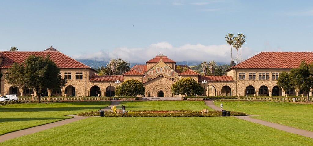 Stanford University, one of the greenest college campuses, aims to reduce its carbon footprint.