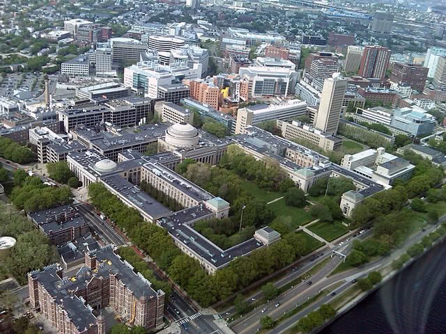 Aerial view of the Massachusetts Institute of Technology's main campus.