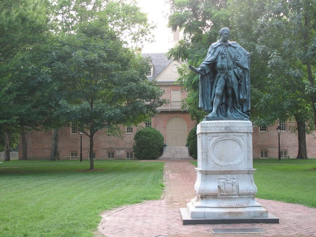 Statue of Norborne Berkeley at the College of William and Mary.