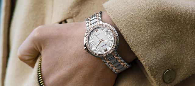 wristwatch photo