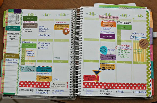 A student planner can help organize your academic and social life