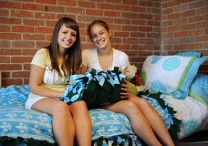 Here are the do's and don'ts of meeting your roommate for the first time