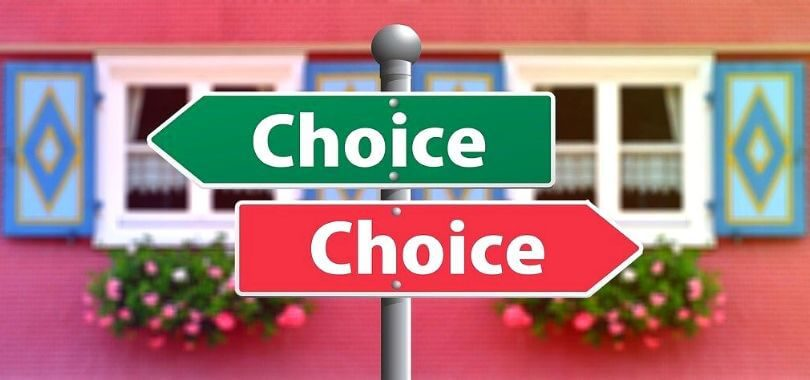"A green arrow pointing left above a red arrow pointing right, both say ""choice."""
