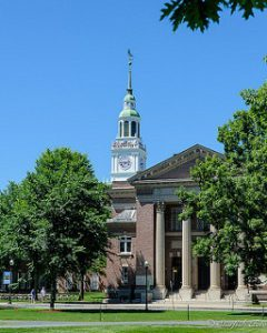 A building on the Dartmouth College - Best Colleges in the Northeast
