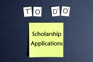Use our scholarship checklists to stay on top of your applications