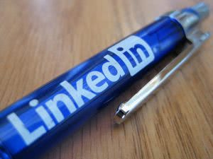 How to use LinkedIn to search for colleges