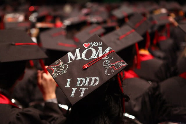 Parents: paying for college can be made easier with a net price calculator.