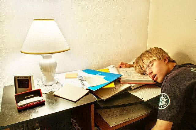 Here are some common college preparation mistakes high school students make.