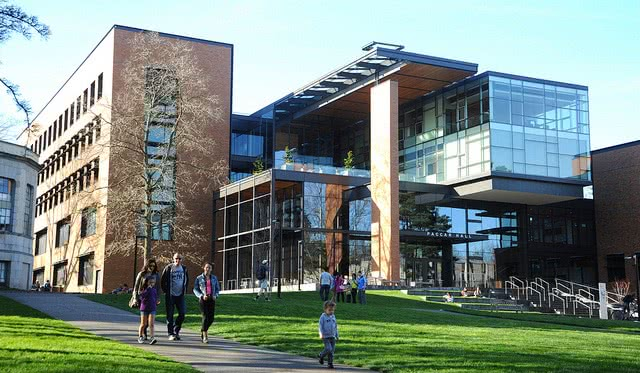 The University of Washington campus may be your college fit!