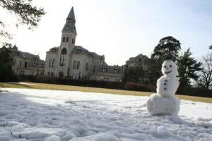 Snowman on the KSU campus - winter break is a great time to prepare for college